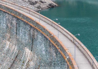 Il lago artificiale di Pontechianale