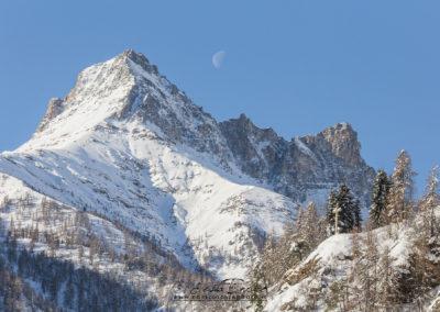 Il Pelvo d'Elva e la luna