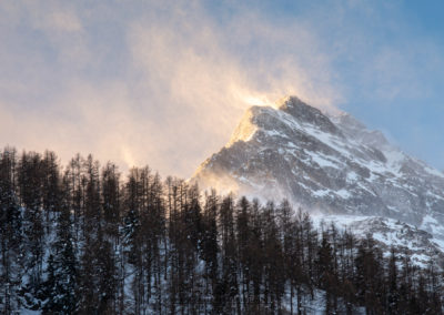 L'alba illumina il Pelvo d'Elva