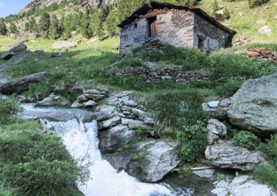 Risalendo il vallone di Vallanta